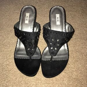 Metro 7 Black wedges